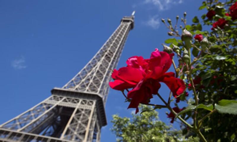 La administración de la Torre Eiffel lamentó que los visitantes se hayan quedado sin poder visitar el lugar este viernes.  (Foto: iStock by Getty Images. )