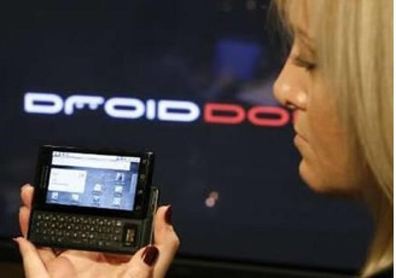 Google empezó la competencia contra TomTom, Garmin y Nokia con el Droid.  (Foto: Reuters)