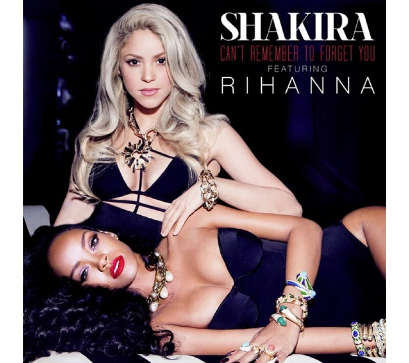 Así de sexys lucieron Shakira y Rihanna en su primer trabajo juntas.