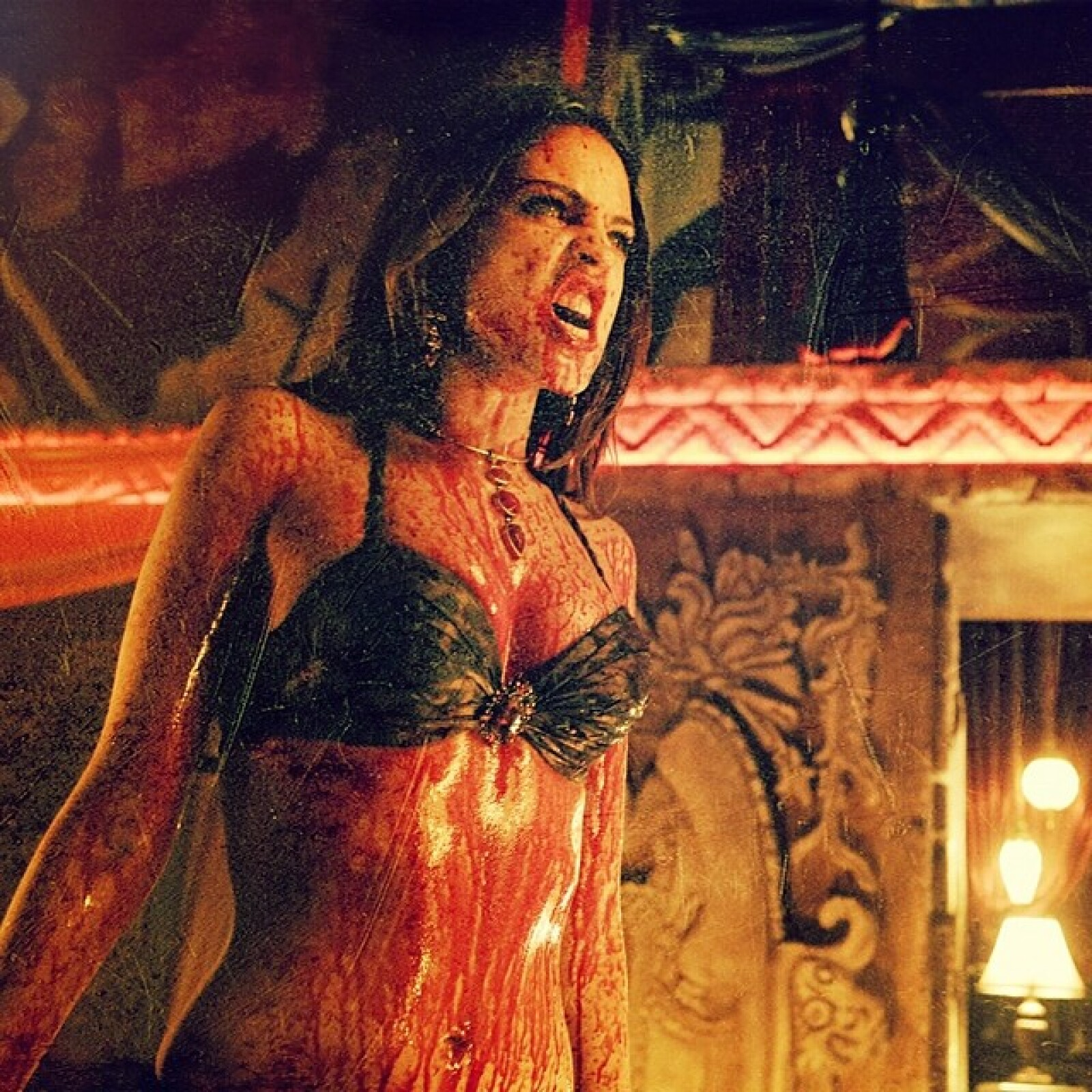 Santánico Pandemonium seguía causando terror. From Dusk Till Dawn fue renovada para una segunda temporada.
