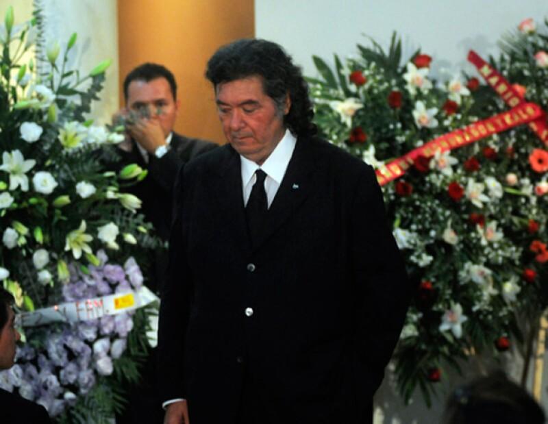 La muerte de la diputada federal María Elvia Amaya Araujo, sorpresiva e inesperada, trajo un sábado de luto para su marido, el empresario y político priista.