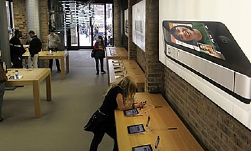 Las sucursales Apple tienen una ganancia de 4,032 dólares por pie cuadrado. (Foto: Reuters)