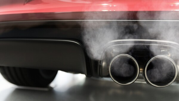 car exhaust smoking panorama