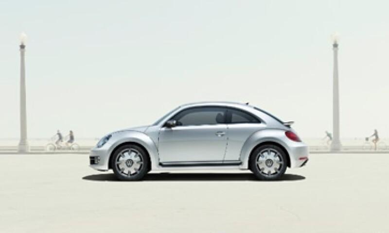 Volkswagen está lanzando una aplicación que maximiza lo que el iPhone puede hacer al interior del vehículo. (Foto: Cortesía Fortune)