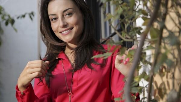 La actriz celebra los éxitos de Zuria Vega; entre los proyectos de la actriz se encuentra la película El Ciudadano Buelna, dirigida por Felipe Cazals.