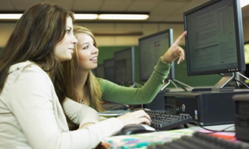 La universidad expedirá certificados, títulos y grados académicos, así como constancias y diplomas a quienes hayan concluido los estudios. (Foto: Thinkstock)