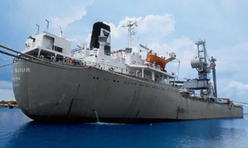 El barco Mary Nour estuvo anclado frente a las costas mexicanas durante un año sin que se le permitiera desembarcar su cargamento de cemento importado. (Foto: Adán Gutiérrez)