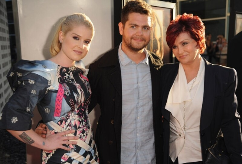 Sharon Osbourne, Kris Jenner, Tish Cyrus y Tina Knowles son algunas mujeres que han acompañado y llevado a sus hijas a la fama.