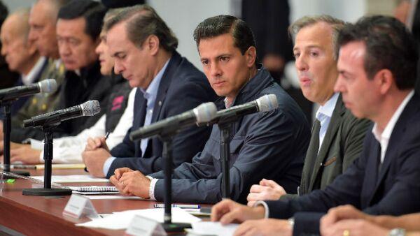 Enrique Peña Nieto reunido con su gabinete y empresarios