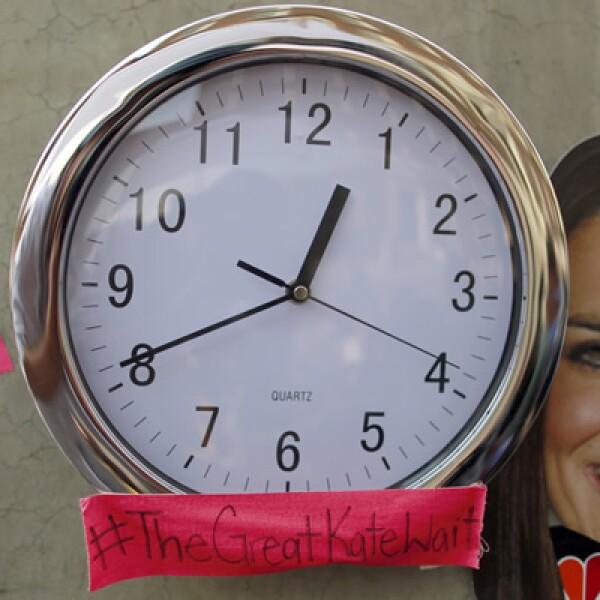 Un reloj con la imagen de la esposa del príncipe William fue colocado en el edificio del hospital.