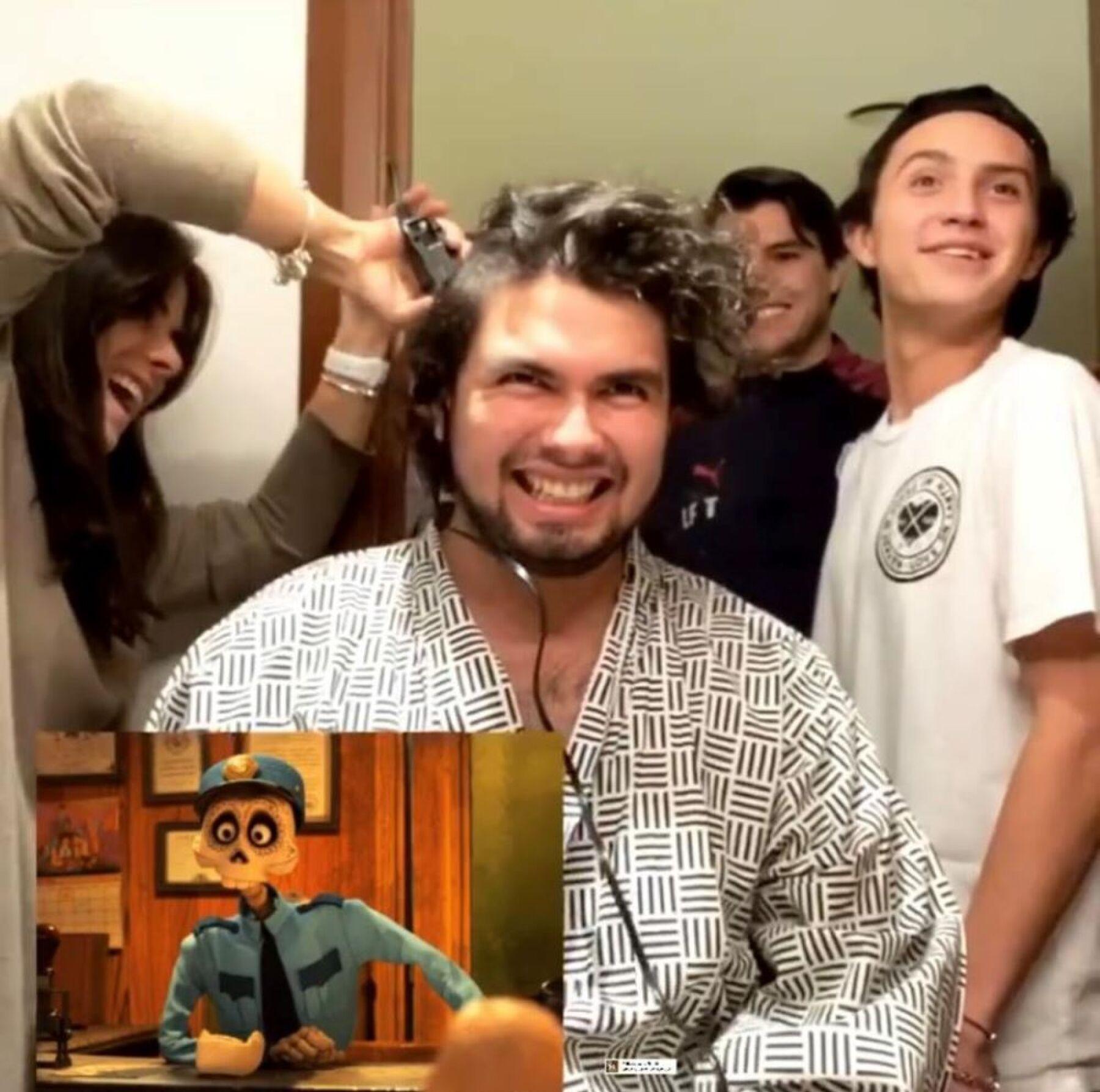 Alejandro Peña se rapa 1.jpg