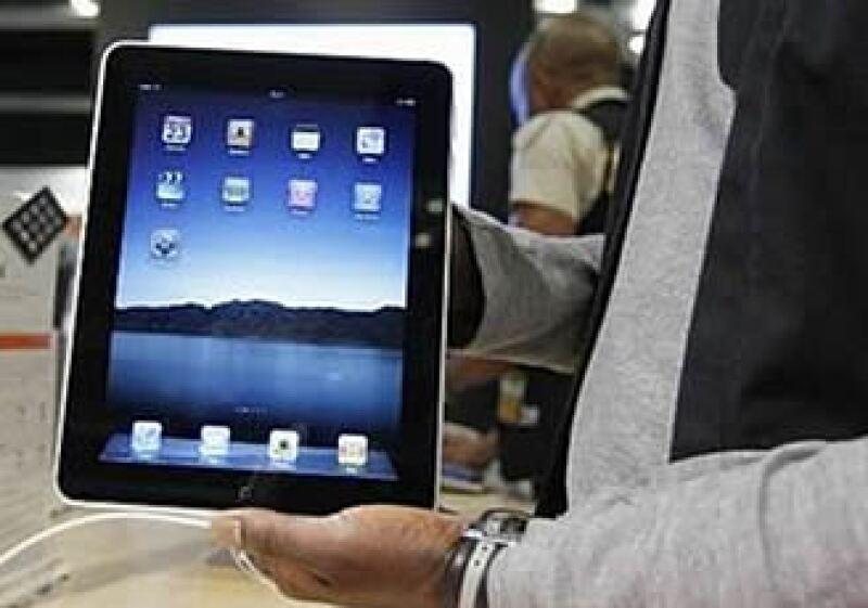 La iPad podía ser comprada en Internet hasta en 15,000 pesos antes de su distribución oficial en México.  (Foto: Reuters)
