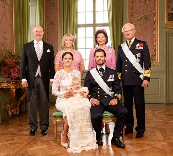 Los abuelos de Alexander y padres de Sofia y Carlos Felipe, Marie y Erik Hellqvist y los reyes Carlos Gustaf y Silvia de Suecia.