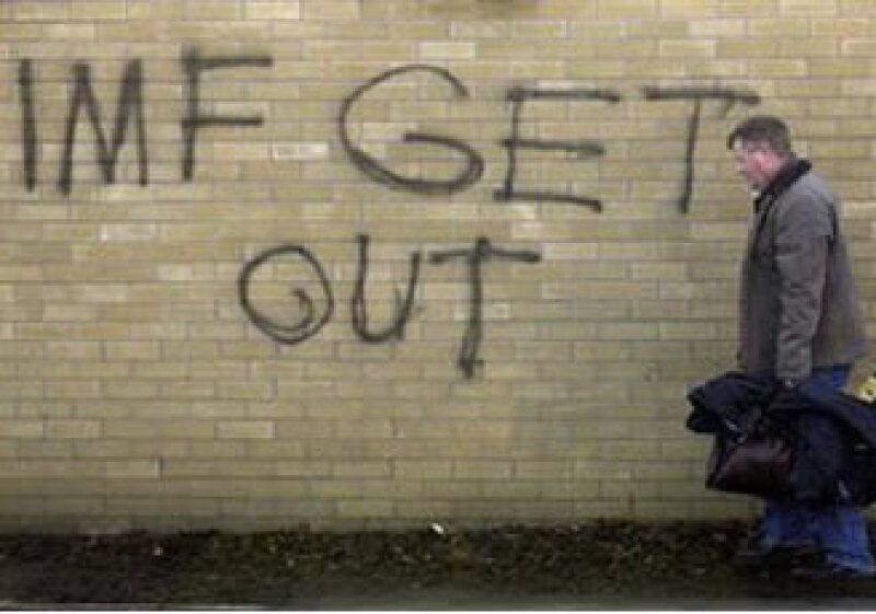 El Gobierno irlandés anunció un recorte presupuestal tras aceptar el rescate del FMI  y la UE. (Foto: Reuters)