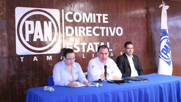 """El coordinador de campaña de Cabeza de Vaca, Gerardo Peña Flores calificó la acusación del PRI como """"mentirosa y perversa""""."""