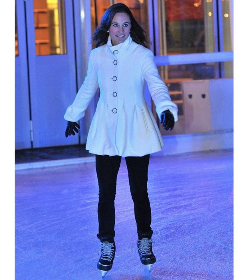 La hermana de Kate, duquesa de Cambridgne, robó nuevamente cámara durante la presentación del Skate en Somerset House, donde mostró sus habilidades con los patines.