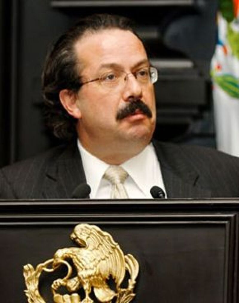 El presidente Felipe Calderón anunció cambios en su gabinete entre los que se encuentran la SCT, el IMSS y el Consejo Nacional para la Cultura y las Artes.