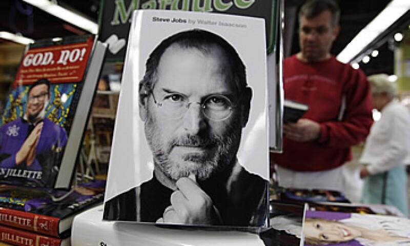 La biografía de Steve Jobs llegó a México el 24 de octubre pasado, publicada por la editorial Random House Mondadori. (Foto: AP)
