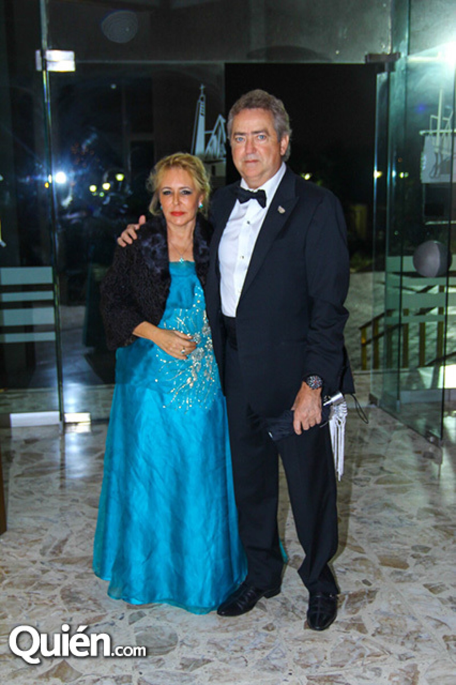 Clara Gutiérrez de Gutiérrez y Roberto Gutiérrez