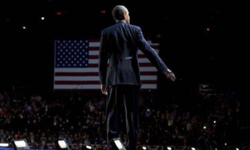 Según Fitch, Obama debe presentar un plan creíble para evitar el abismo fiscal el próximo año. (Foto: AP)