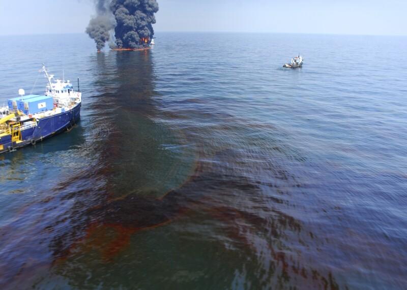Cerca de 5 millones de barriles terminaron en  las aguas del golfo de México.