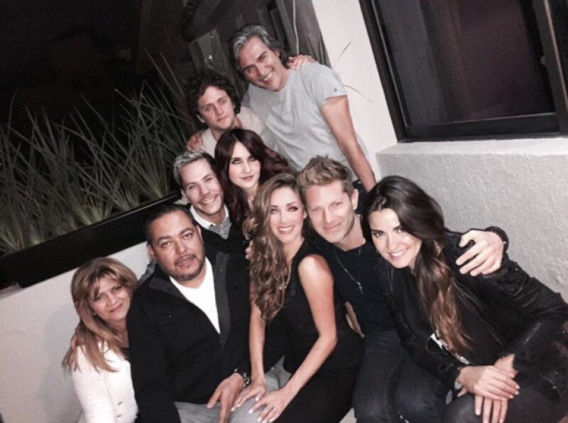 La foto del recuerdo con todos, donde también se puede ver al productor Pedro Damián.