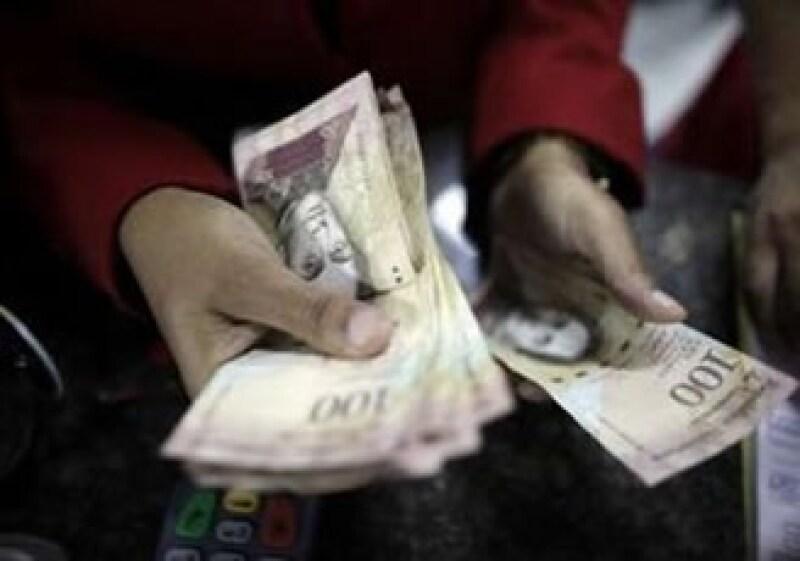 El 8 de enero fue decretada la devaluación del bolívar. (Foto: Archivo)