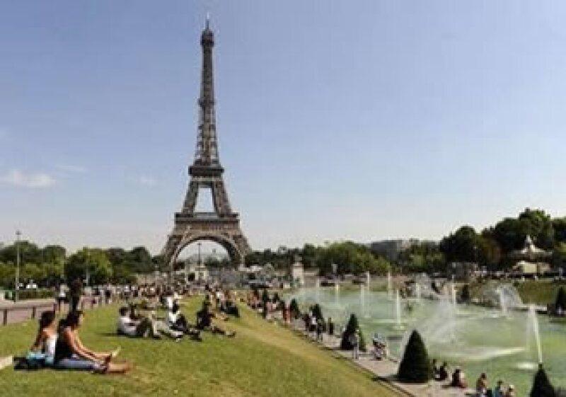 En Francia, más comercios tendrán permiso de permanecer abiertos durante el domingo. (Foto: Reuters)