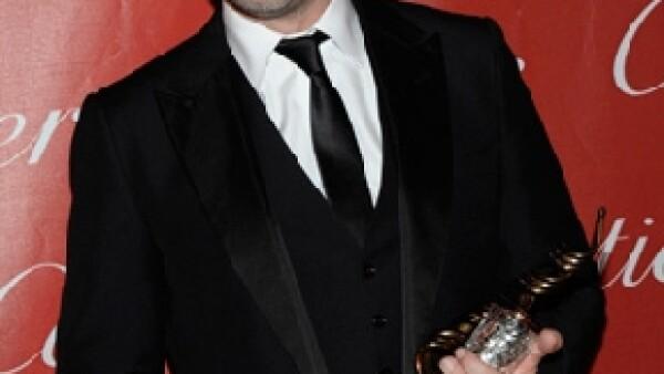 En un ceremonia realizada en el Convenciones de Palm Springs, el actor refrendó el amor que lo une con su esposa, quien en breve dará a luz al primer hijo de la pareja.