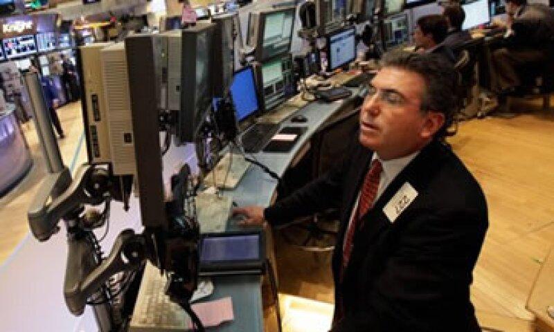 Este lunes, Wall Street rebota tras su peor semana del año. (Foto: AP)