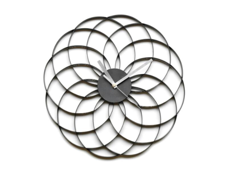 Reloj de pared Flor, Bo Concept, $1,949; Bo Concept, Palmas.