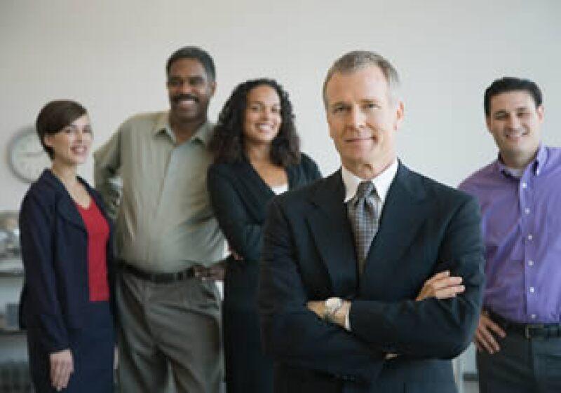 Los buenos líderes aprenden a escuchar a todos los involucrados con la organización. (Foto: Jupiter Images)