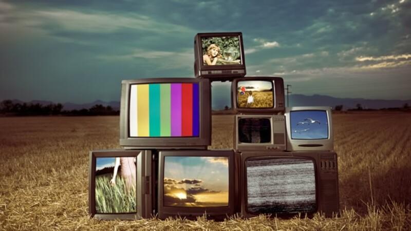 televisiones en un campo