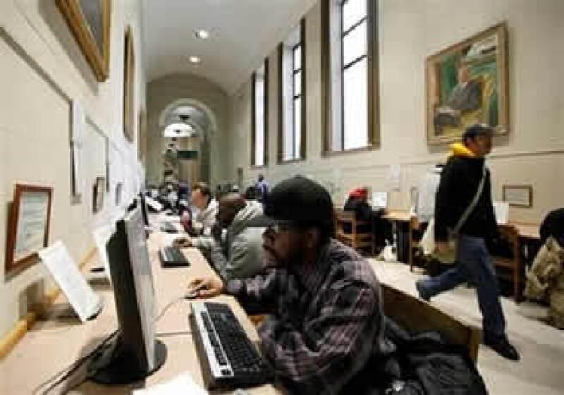 La OIT informó que el desempleo juvenil subió a 83 millones de personas en 2009. (Foto: AP)
