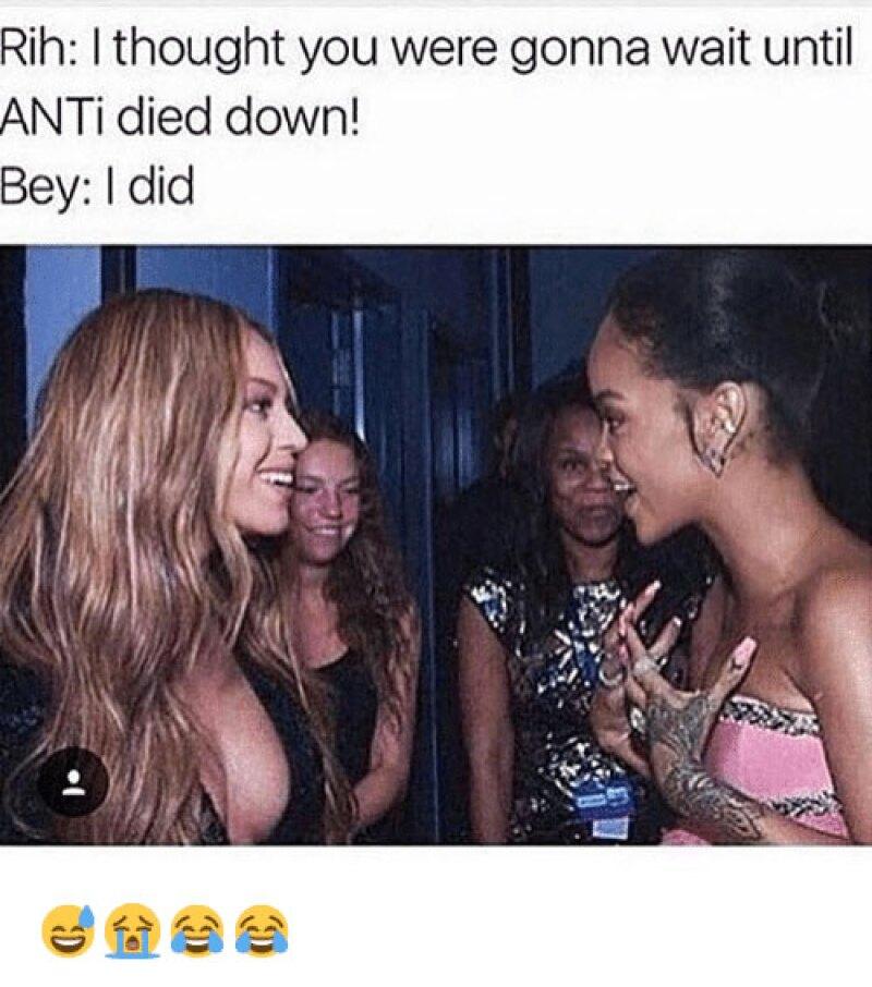 El meme de Rihanna se centra en los nuevos álbums de las cantantes.