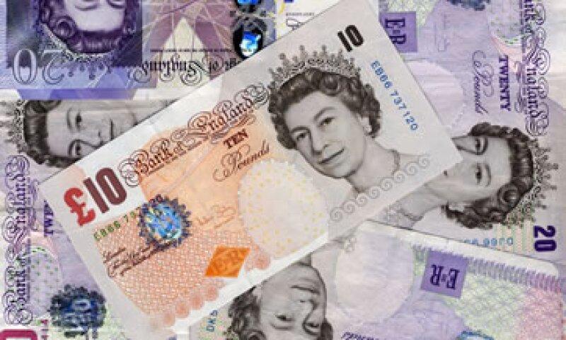 El Gobierno británico dijo que las medidas ayudarán a estimular la economía y a proteger a los contribuyentes. (Foto: AP)