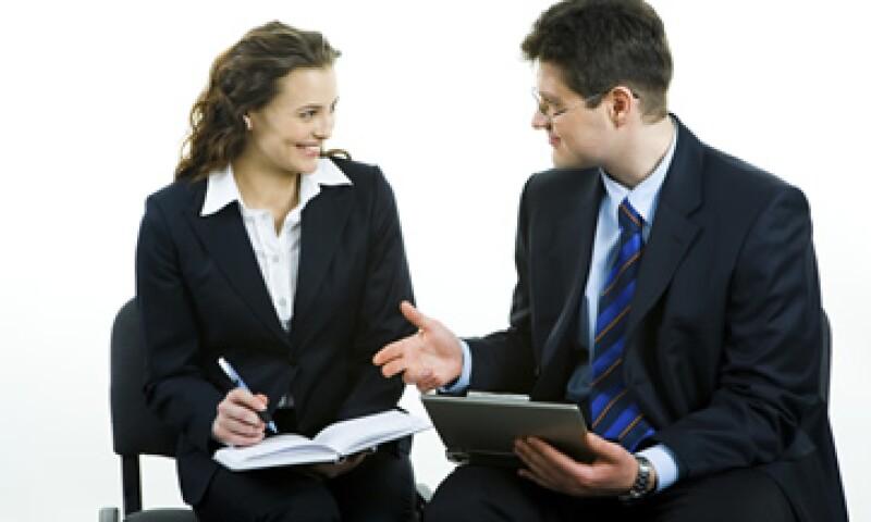 Tener éxtio en tu empleo implica capacitarte más, comprometerte con la empresa y tener una buena relación con los compañeros. (Foto: Photos to Go)
