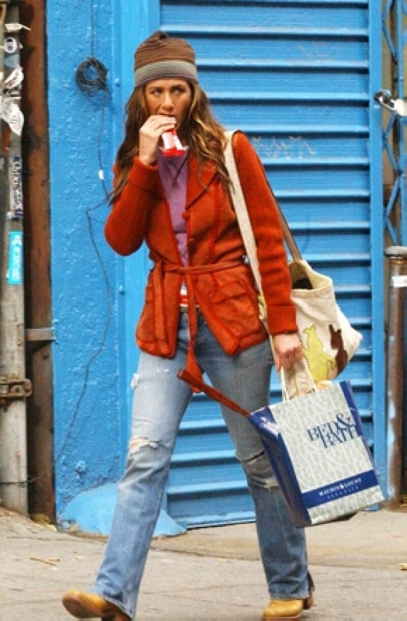 La actriz está acostumbrada a comer alimentos orgánicos, sin embargo, contó que en una ocasión se vio orillada a comer una hamburguesa de McDonald&#39s, la cual le causó mareos y un gran malestar.