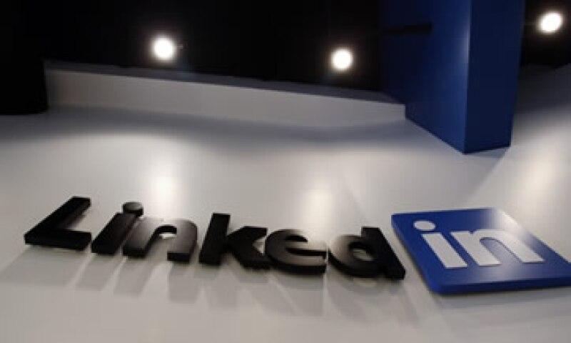 Los piratas informáticos ni siquiera tienen que esforzarse tanto para aprovechar la mina que les ofrece LinkedIn. (Foto: AP)