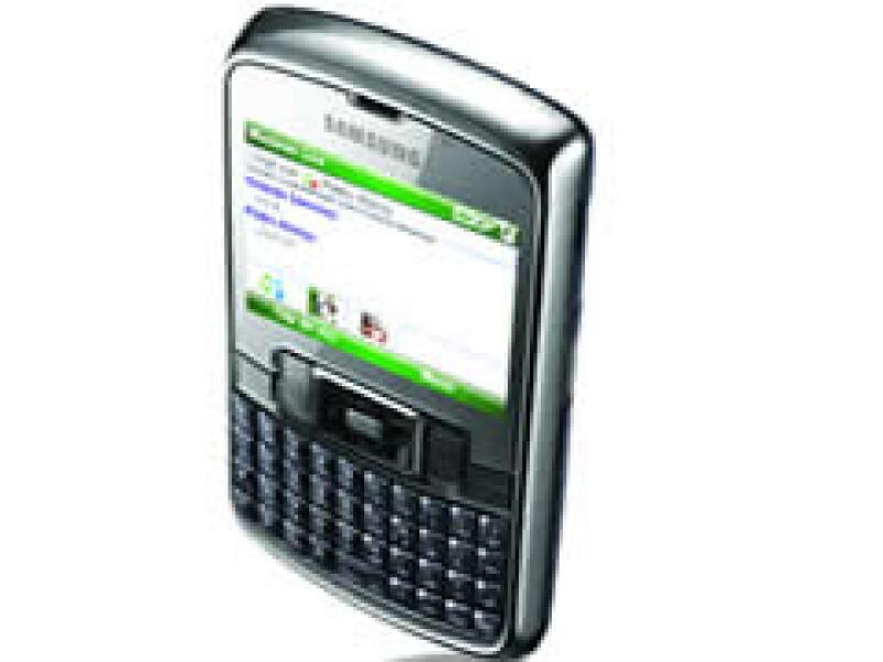 El Smartphone de Samsung puede conectarse a Internet y desplegar de manera más rápida los elementos de Windows Live Messenger.  (Foto: Cortesía Telcel )