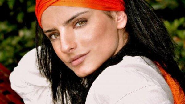 Tiene 23 años e inició su carrera como modelo y ha participado en varias películas y programas de televisión.