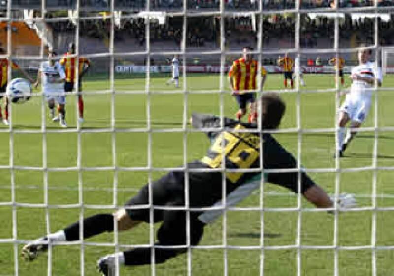 La liga italiana fue multada por obstruir la competencia en la transmisión de partidos de la temporada 2007-2008. (Foto: AP)