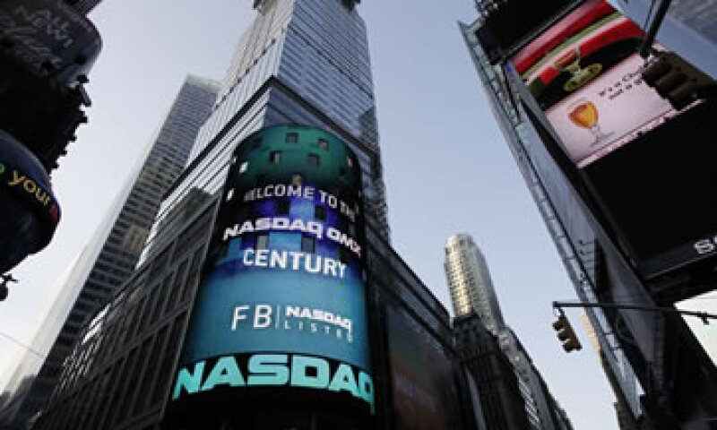 Facebook fue la la primera empresa estadounidense en debutar en Bolsa con un valor de más de 100,000 mdd.  (Foto: AP)