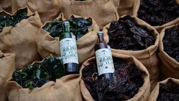 Ancho Reyes, el único licor de chile ancho en el mundo.