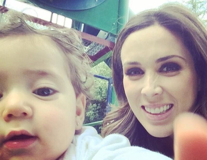 Jacky disfrutará el 10 de mayo con su primogénita y su esposo Martín.