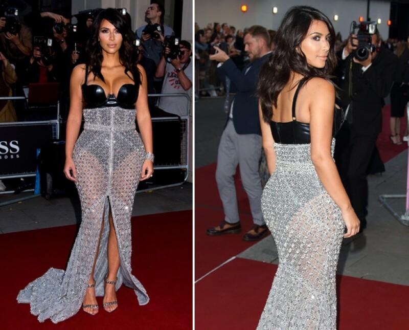 El vestido de Kim fue elaborado a mano y aunque se nota el trabajo, no sabemos si es el adecuado para las curvas de la socialité.