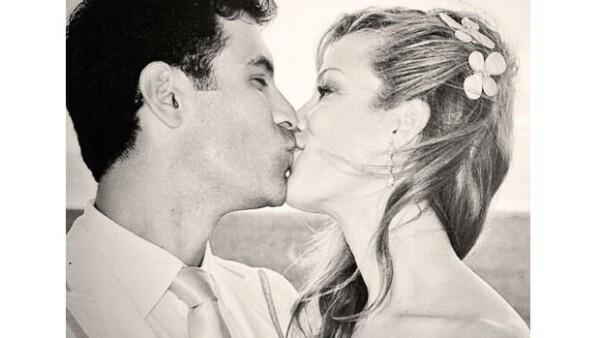 La pareja cumplió 3 años de feliz matrimonio y la modelo recordó el momento de su enlace a través de su cuenta de Twitter.