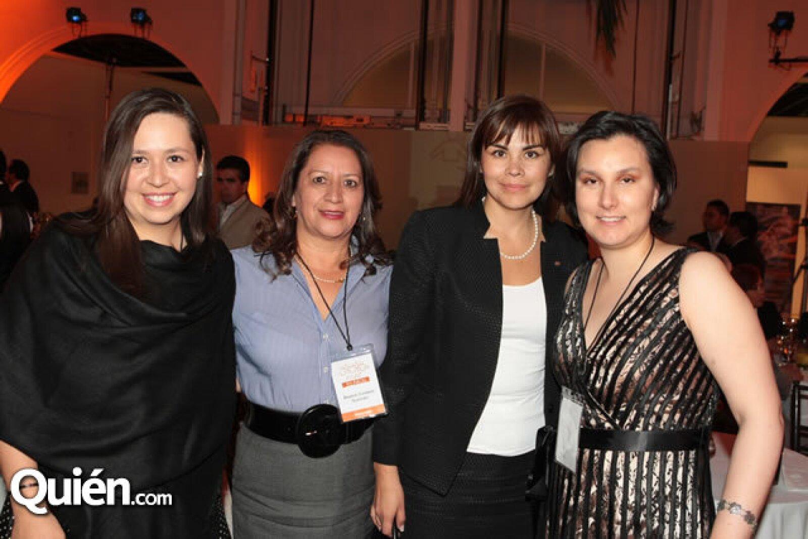 Jessica Hawley, Beátriz Cordero, Bárbara Mendoza y Paula Valdéz