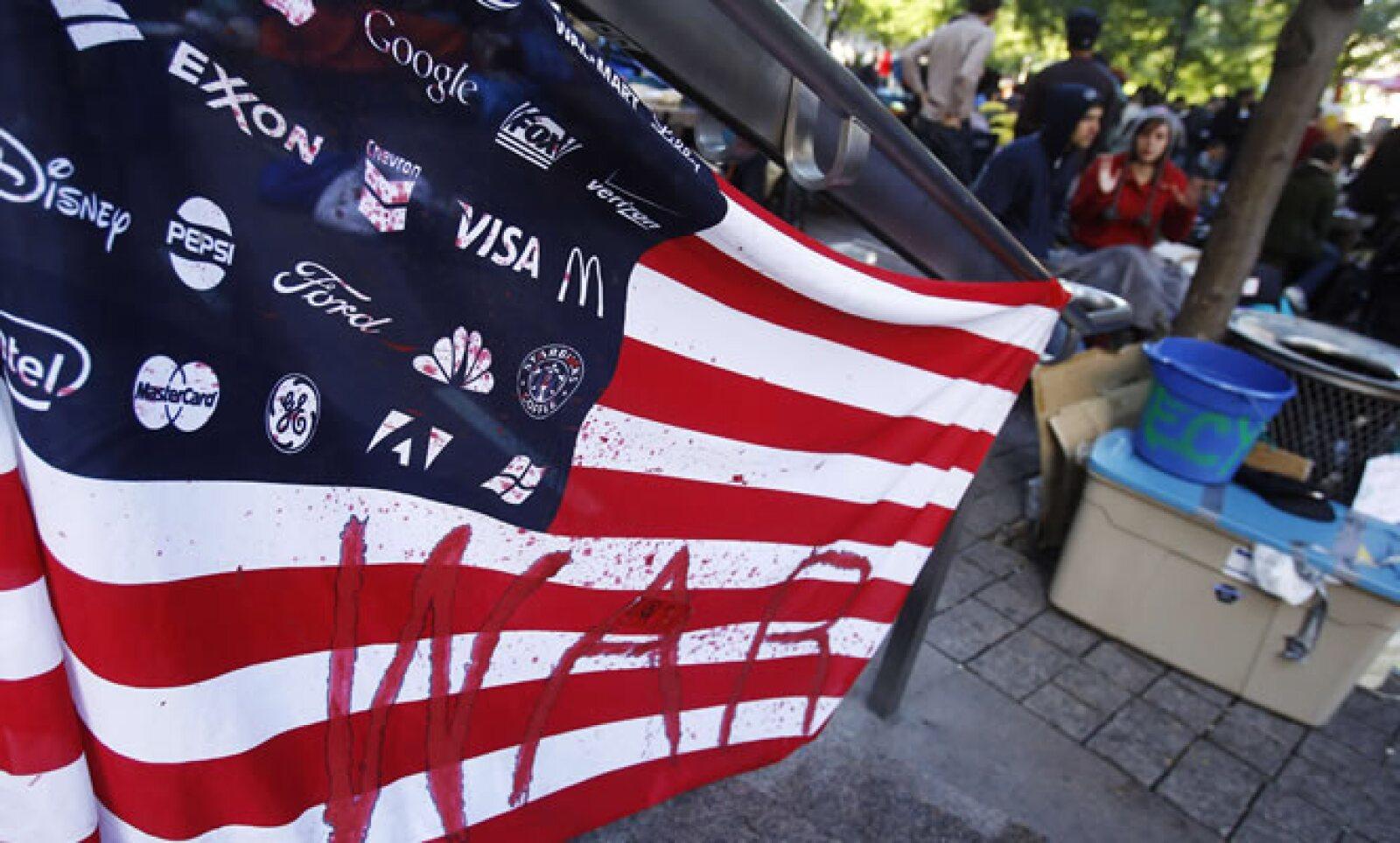 El centenar de jóvenes que hace un mes ocupó un parque aledaño a Wall Street difícilmente imaginó la reproducción de movimientos similares en otras ciudades de EU  y de otros países.