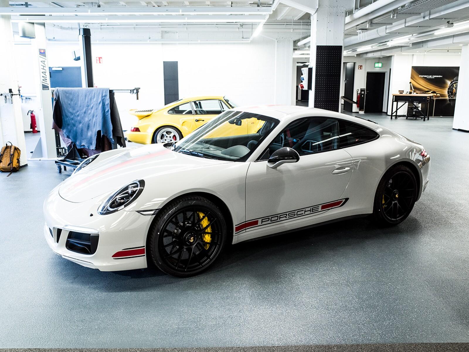 Estas Son Las Primeras Im 225 Genes Del Nuevo Porsche 911